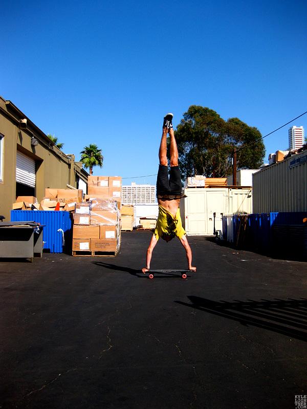 Handstand_Frontside